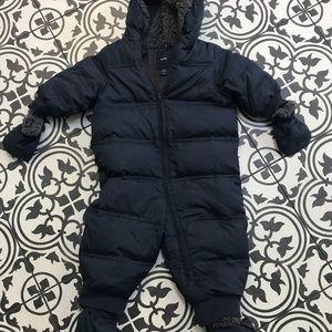 Baby gap size 12-18 navy snowsuit
